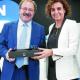Dr. Sánchez de la Muela recoge el premio a tu salud